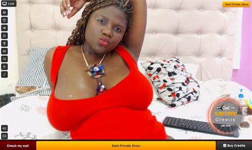 Black BBW camgirl on LiveJasmin
