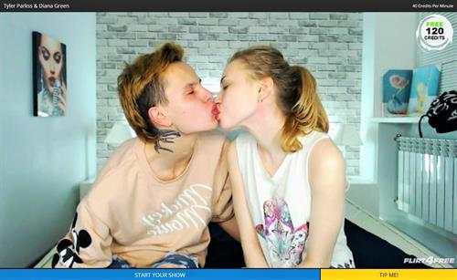 Horny webcam couple kissing at Flirt4Free.com