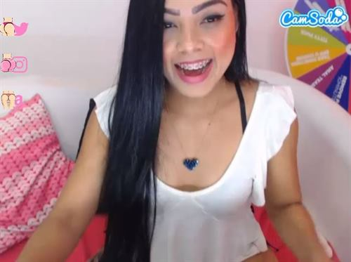Young Latina cam babe having fun on CamSoda.com