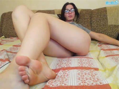 Creamy white amateur legs on live feet webcams at CamSoda.com