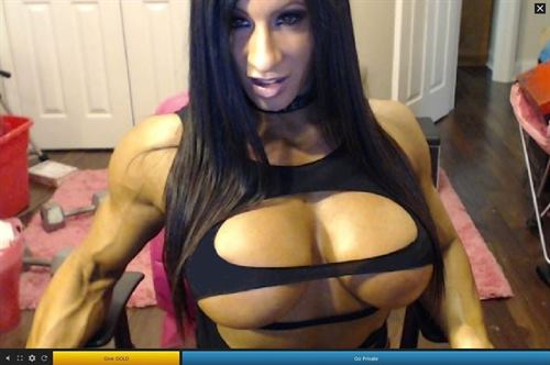 FFB webcam porn with super strong babes on Streamate.com