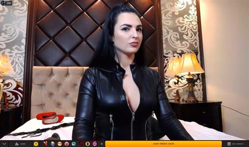 Dominatrix cam girl serves the punishment on LiveJasmin.com